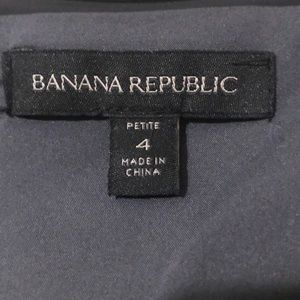 Banana Republic Dresses - EUC Banana Republic Gray Dress with Pockets! 4P